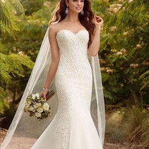 Essence of Australia wedding dress ivory